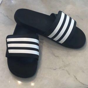 Adidas slide Men's size 9 black and white stripe